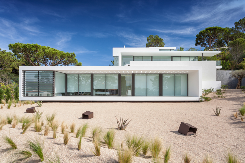 Algarve portugal luxury properties real estate for sale for Modern house rental